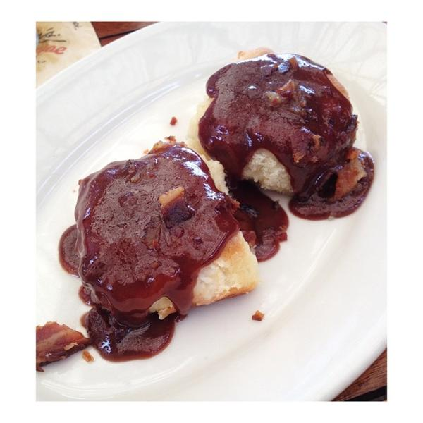 biscuits-&-chocolate-bacon-gravy