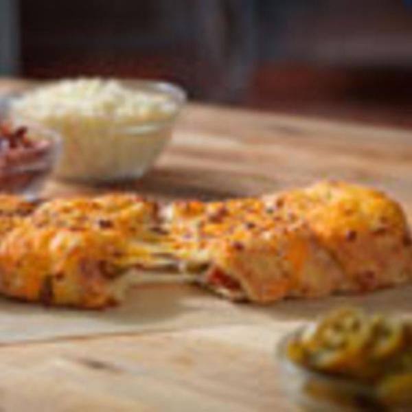 stuffed-cheesy-bread-with-bacon-&-jalapeno