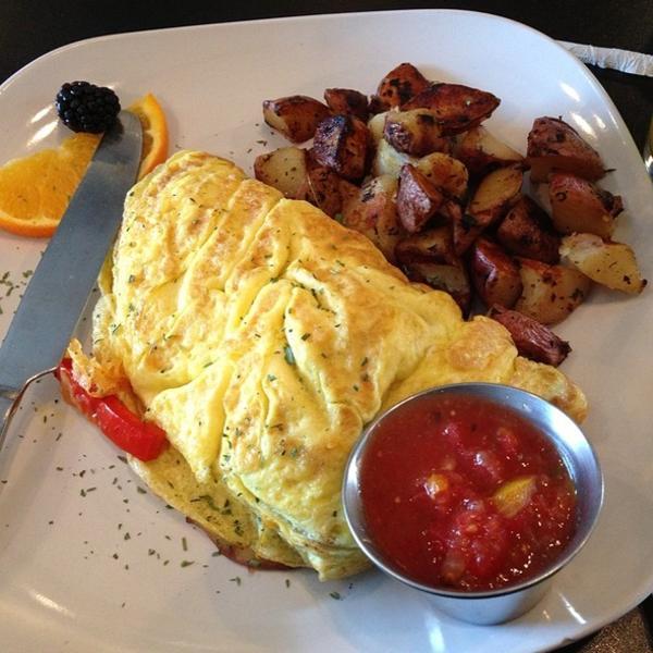 fiesta omelette - Garden Brunch Cafe
