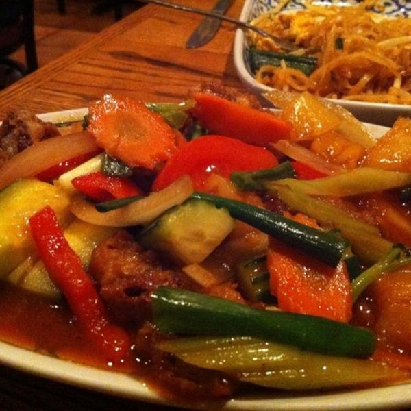 Ped Prew Wan Sweet And Sour Duck Sabieng Thai Cuisine View