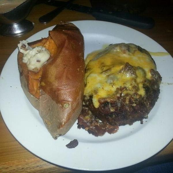 The Chopper Cattlemens Restaurant View Online Menu And Dish