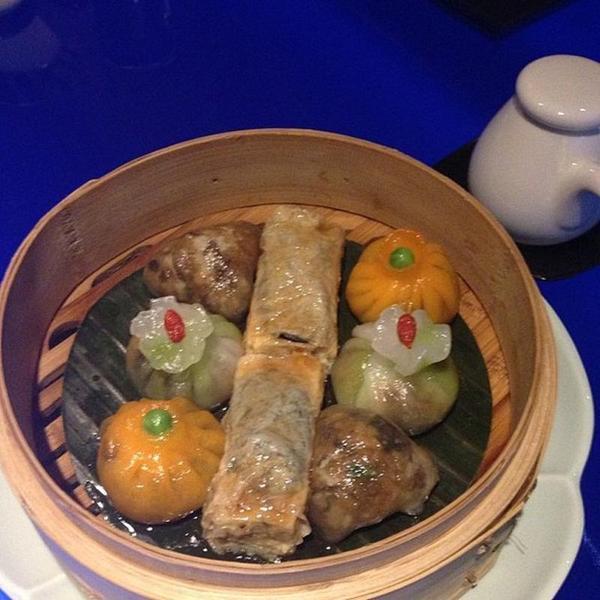 vegetarian-dim-sum-platter