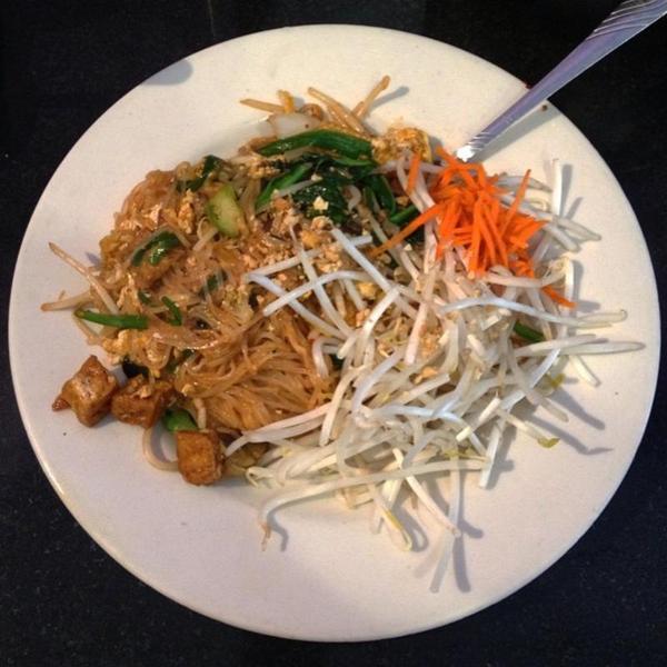 vegetarian-pad-thai