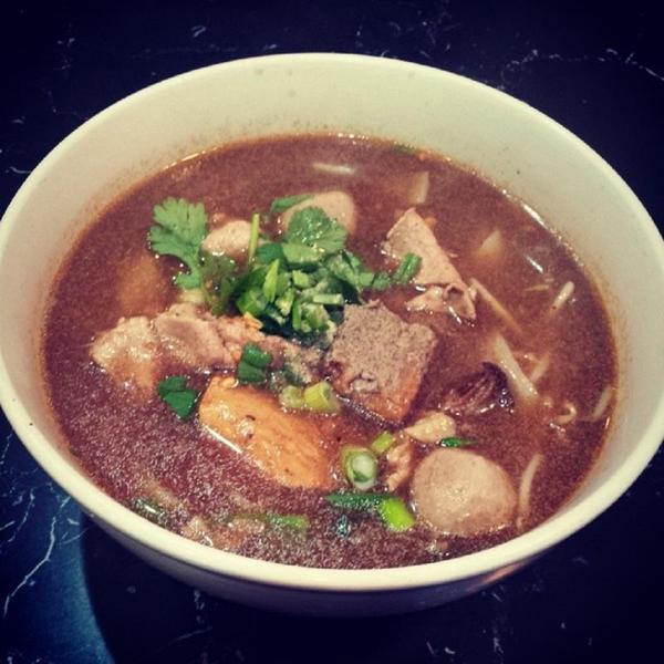 combination-beef-noodle-soup