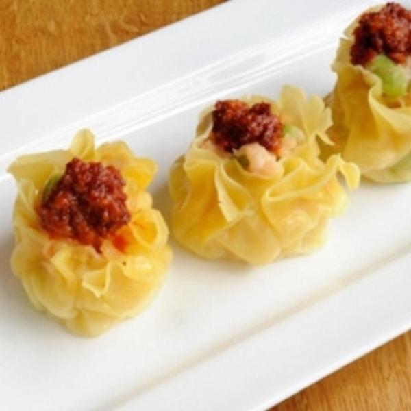 hand-made-steamed-shu-mai,-shrimp-paste