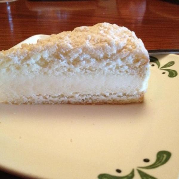 Lemon Cream Cake Johnny Carino S Country Italian View Online Menu