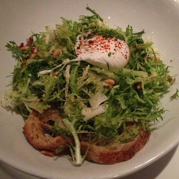 frisée-salad-with-warm-bacon-dressing
