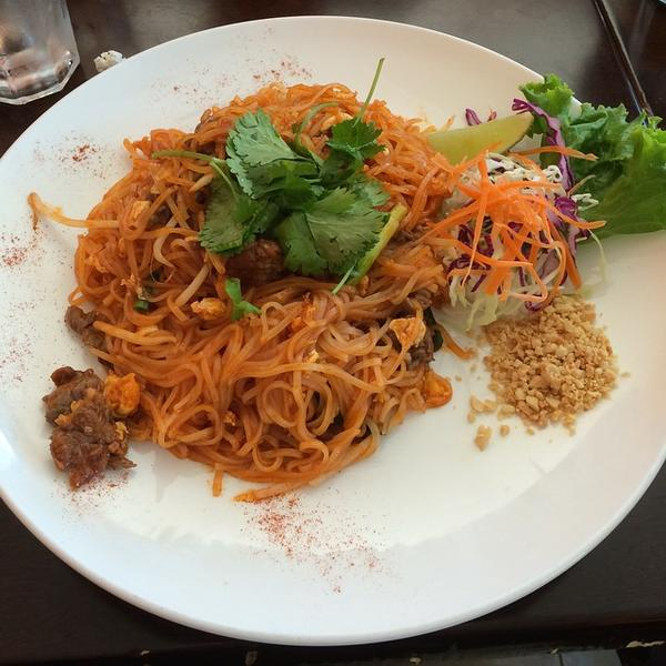 Pad Thai Lunch Special Sa By Thai Cuisine View Online Menu And