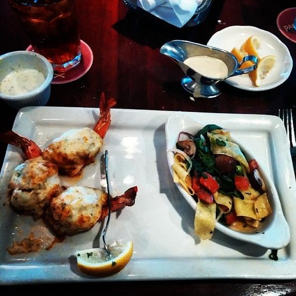 Pappadeaux Stuffed Shrimp: Pappadeaux Seafood Kitchen, View