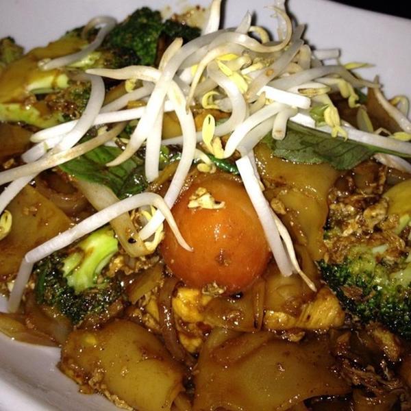 Sweet Chicken Broccoli Pad See Ew Malai Kitchen View