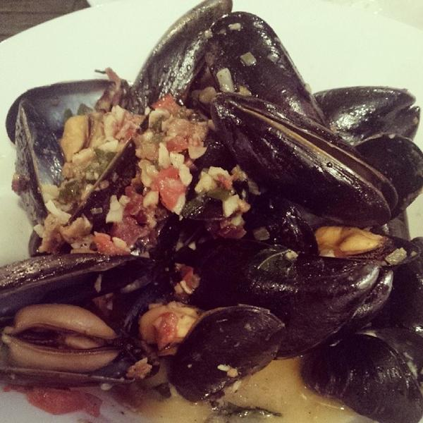 pei-mussels-and-fries