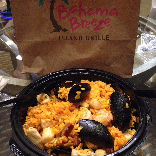 Bahama breeze seafood paella recipe master recipes for everyone bahama breeze features many traditional recipes from the caribbean including fire roasted jerk shrimp another example is this bahama breeze seafood paella forumfinder Choice Image