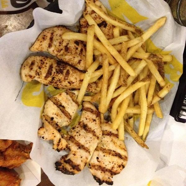 Naked tenders buffalo wild wings foto 44
