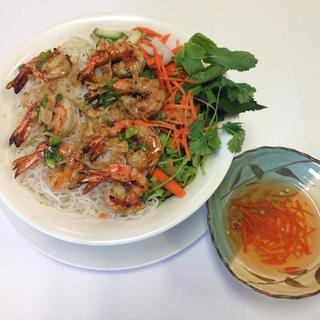 grilled-pork/-beef/-chicken/-or-shrimp-over-vermicelli