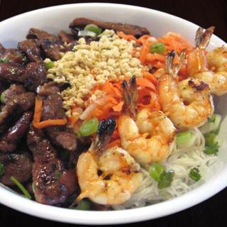 grilled-shrimps,-pork-&-egg-roll-over-vermicelli