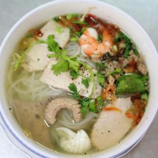 combination-seafood-w/-rice-or-egg-noodle