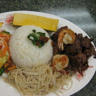 grilled-shrimp-and-beef-over-steamed-rice