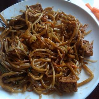 veggie-chicken-chow-mein