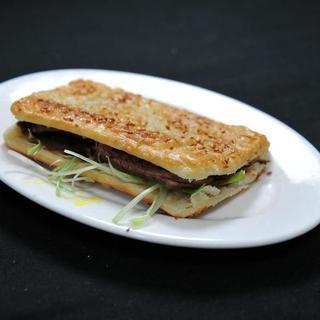 beef-w/sesame-cake
