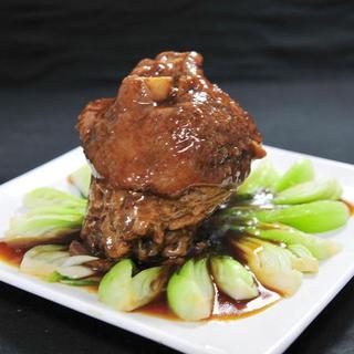 braised-pork-upper-leg-in-brown-sauce