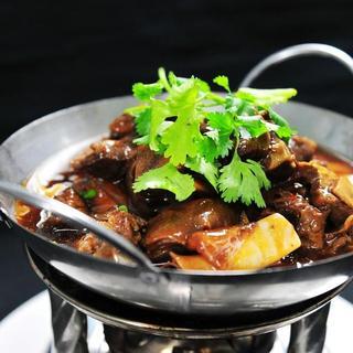 lamb-w/-brown-sauce-in-hot-pot