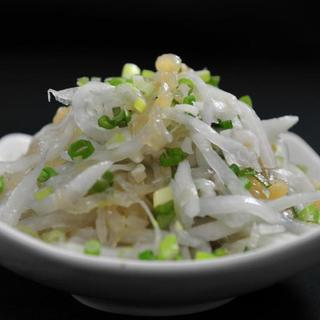 sliced-jellyfish-w/-radish