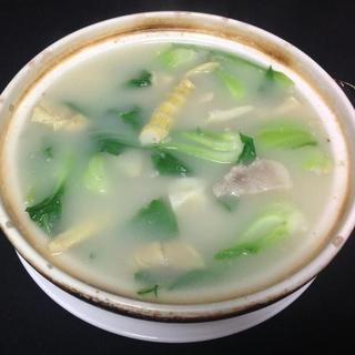 salted-pork-bamboo-&-ribs-clay-pot