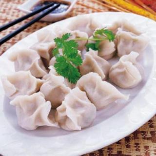 jiaozi-stuffed-with-pork-and-napa-cabbage-(12)