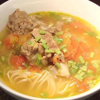 tomato-pork-/-fish-fillet-w/-noodle-soup