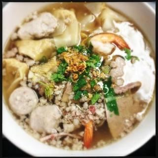 combination-wonton-soup