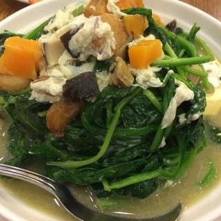 spinach-&-preserved-eggs-in-broth
