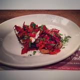 roasted-red-pepper-bruschetta-(v)