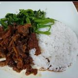 beef-stew-(vietnamese-style)-over-steamed-rice