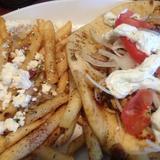 gyro-sandwich-with-greek-fries