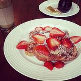 strawberry-cinnamon-french-toast