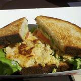 dungeness-crab-cake-sandwich