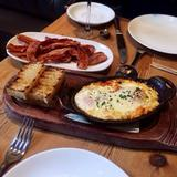 baked-eggs-&-grits