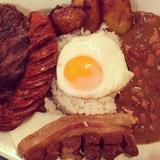 bandeja-paisa-(colombian-platter)