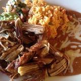 carnitas-plate