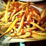 hand-cut-russet-frites