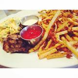 steak-frites-and-eggs