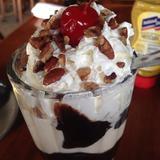 jumbo-hot-fudge-sundae