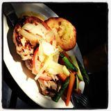 pork-chops-&-app-le-sauce