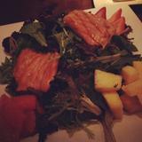 grilled-salmon-fruit-salad